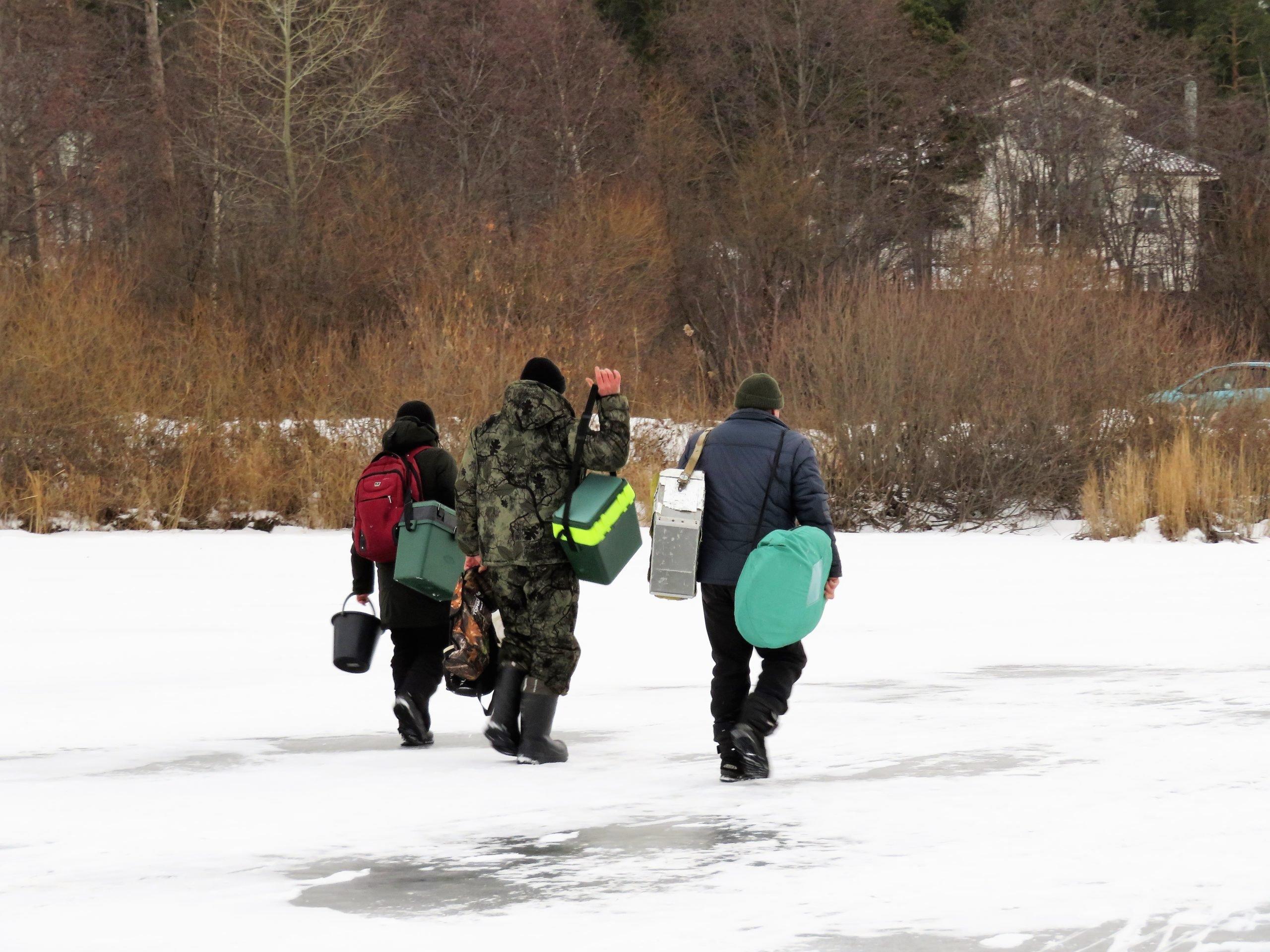 Зимняя рыбалка. Последний лед